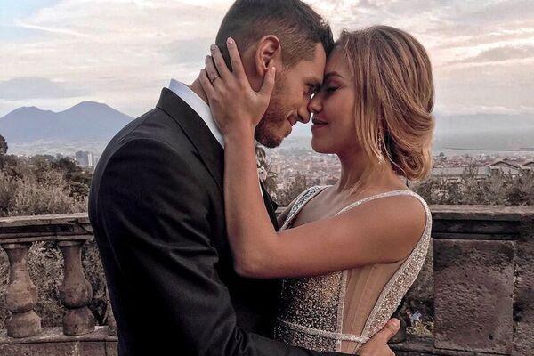 «В кругу близких друзей»: Добрынин рассказал о свадьбе с Дашей Квитковой. Семейный праздник