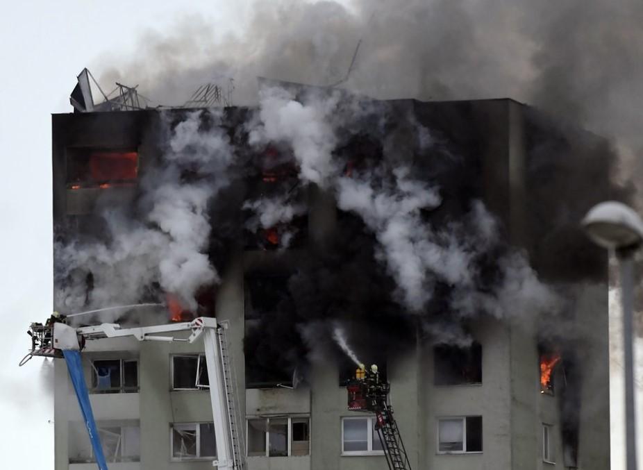Масштабный взрыв в многоэтажке: 5 человек погибли. Родственники бьют тревогу