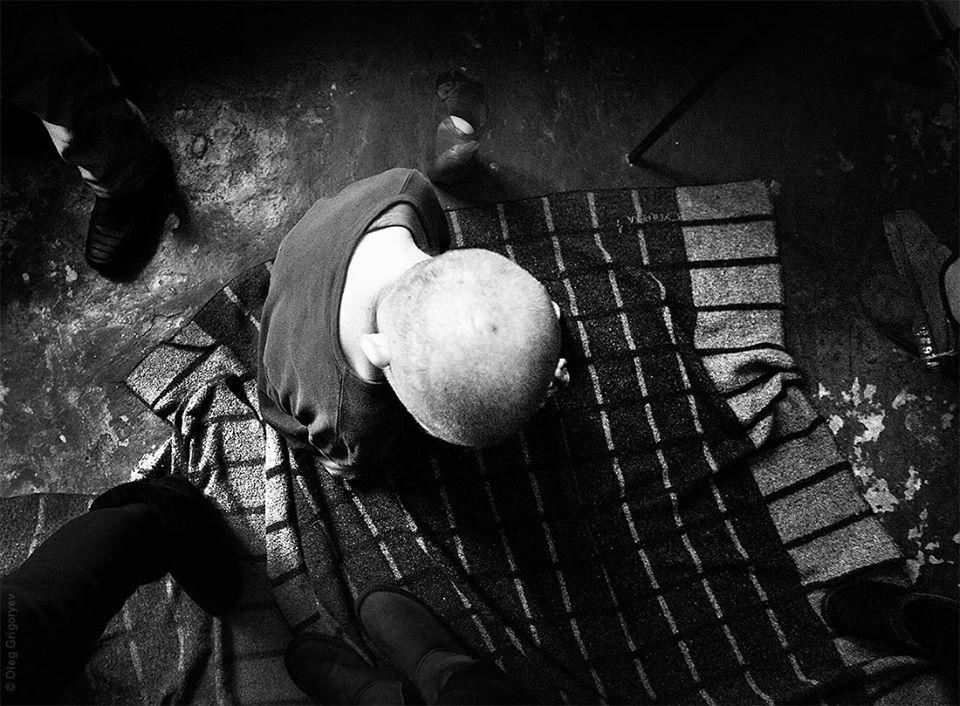 «Едят с пола, насилуют друг друга и …» Пациенты психиатрического интерната в Днепропетровской области живут в «аду»