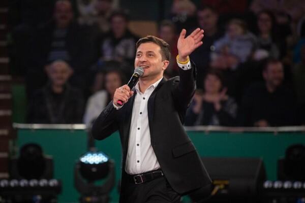 «Украина не будет блюдом»: Зеленский впервые появился в студии Шустера. Прямо с фронта