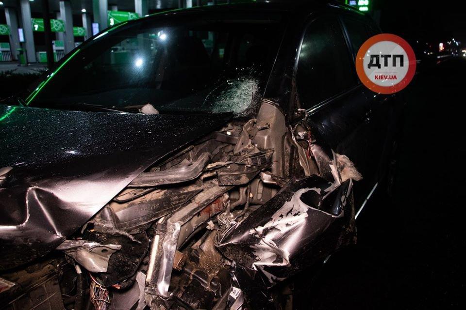 «От тела осталась только рука»: Жуткая авария под Киевом. Мужчину переехало несколько автомобилей