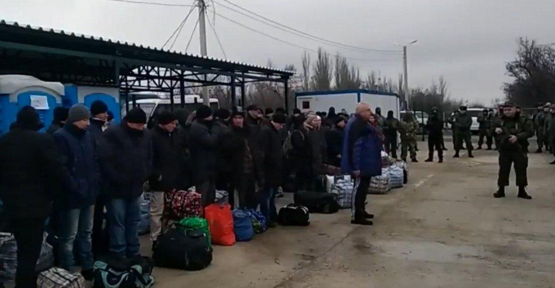 «Я знаю, кто есть кто»: Освобожденный из плена украинец гневно обратился к Путину. «Топчет мою землю»