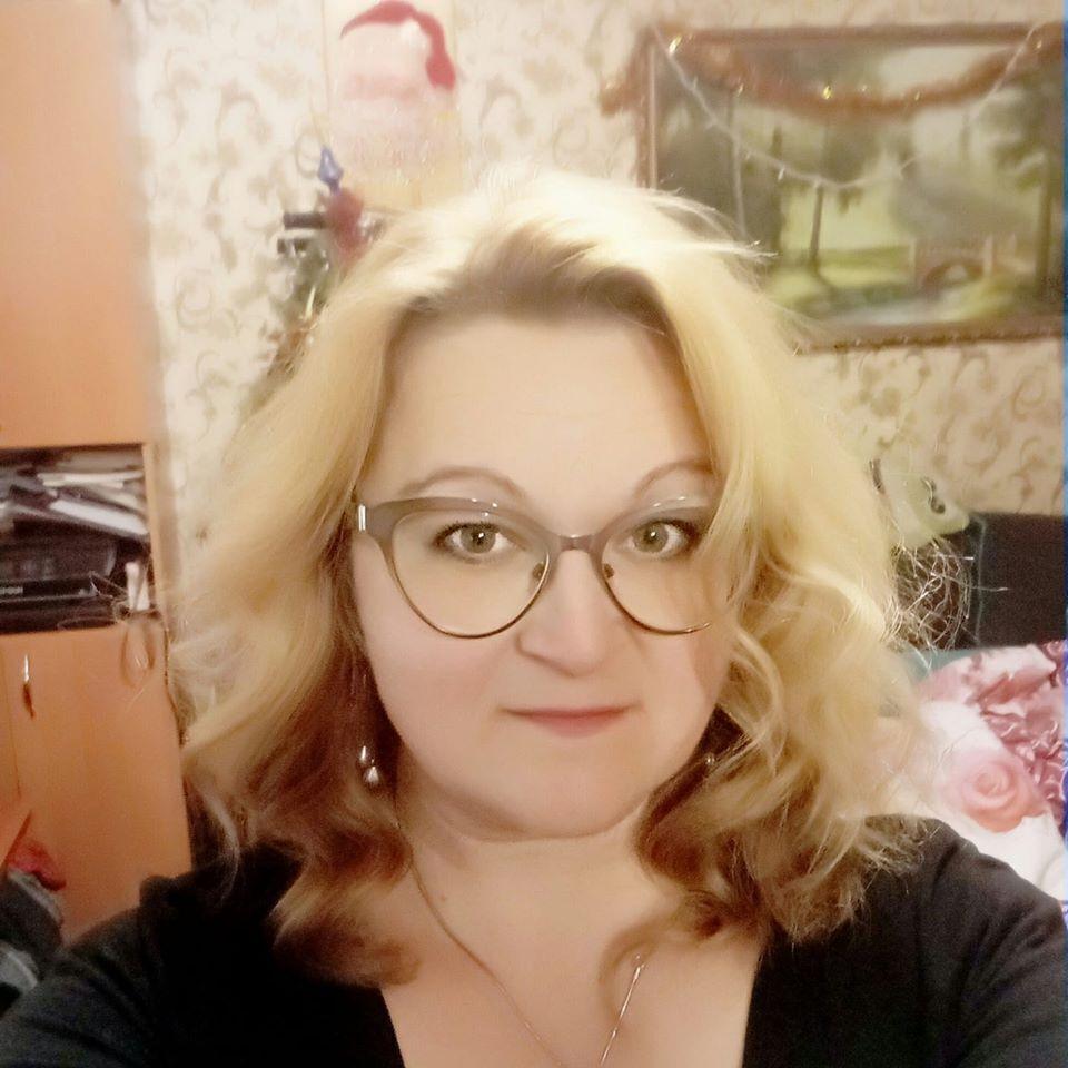 «Выводила детей и возвращалась в огонь» : Что известно о погибшей преподавательнице Одесского колледжа