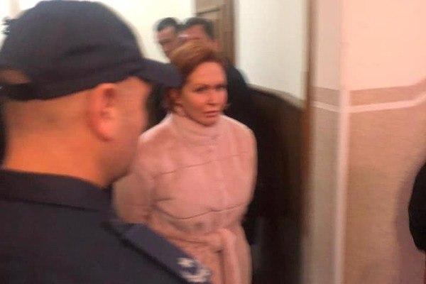 «Заседание назначили за 10 минут до начала»: Подозреваемых в убийстве Шеремета доставили в суд