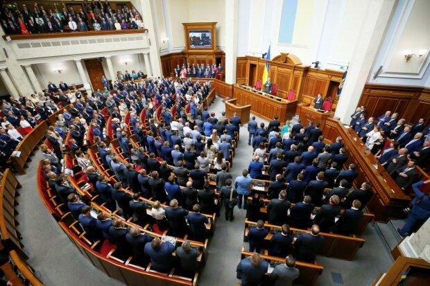 «Еще год»: Рада продлила закон об особом статусе Донбасса. Появились новые угрозы