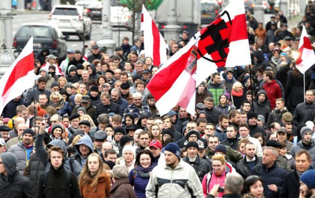 «Нет сил бояться этого, пусть бьют»: Белорусы восстали против России. Детали