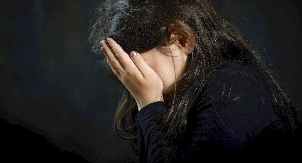 Не понимала, что происходит: в Киеве изверг изнасиловал девочку-инвалида. Жуткие детали