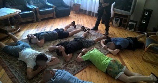 «Заставляли работать и жестоко наказывали»: Возле Львова разоблачили три «реабилитационных центра», где пытали людей