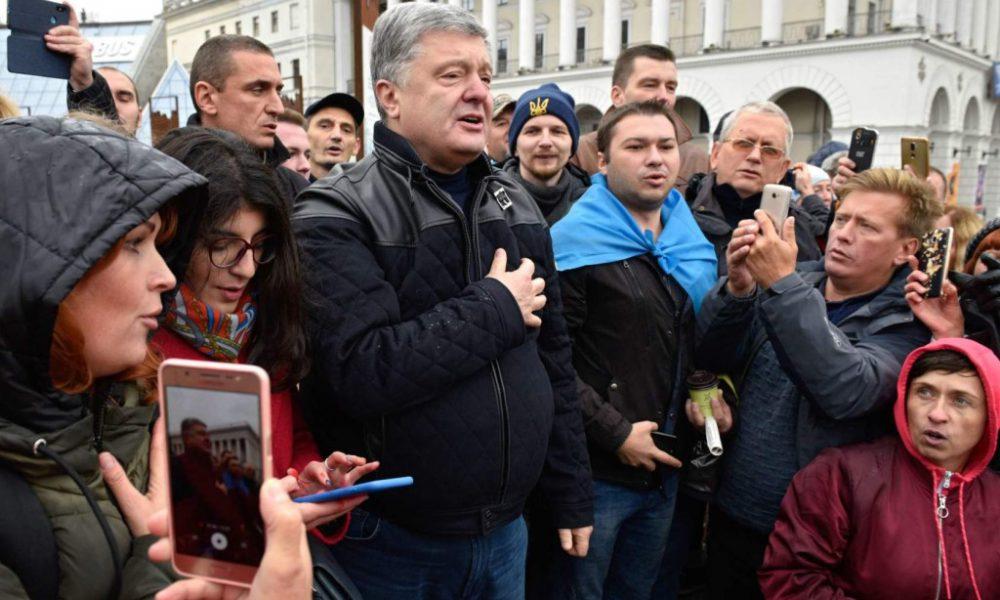«Целовали Петру пятую точку!»: Порошенко жестко разнесли. «Пособники украинских гнид»