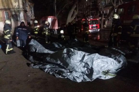 «Люди кричали и летели камни»: Спасатель рассказал шокирующую правду о смертельном пожаре в Одессе