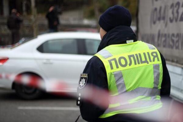 «Отрезанный палец и растерзаны уши»: В Киеве обнаружили тело мужчины. Рядом лежала…