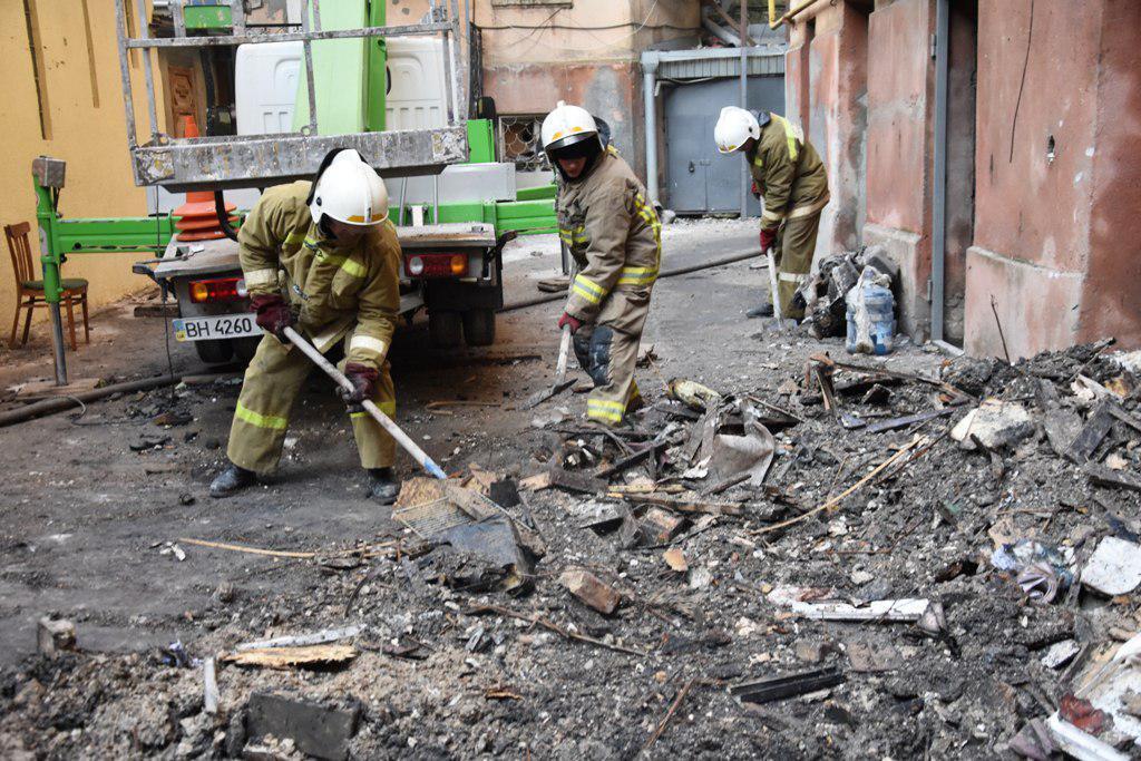Увидела дым и закрыла дверь: известно, кто ответит за трагедию в Одессе. Полиция сделала заявление