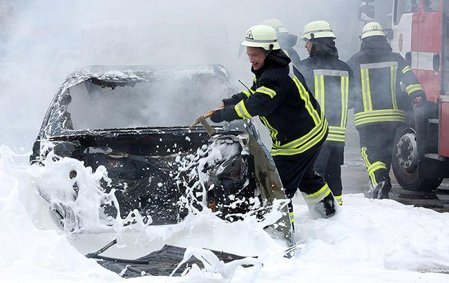 Превратилась в горящую груду металла: страшная трагедия произошла в центре Днепра. Врачи не смогли помочь!