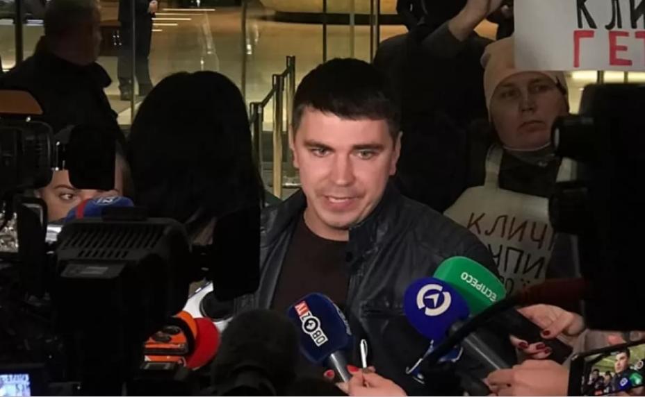 Спрятался под юбку Тимошенко! Изгнанник из «Слуги народа» перешел под влияние леди Ю