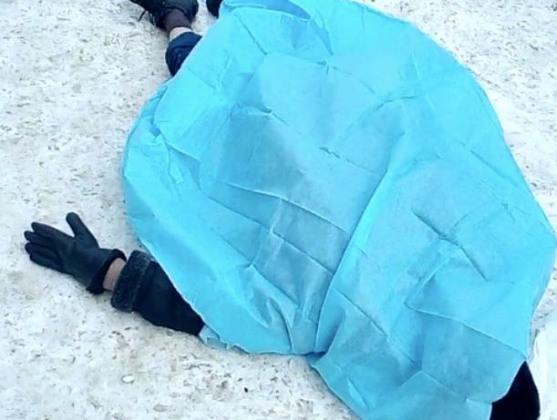 Переломил все кости: под Киевом папа зверски убил маленького сына. Тело бросил на улицу