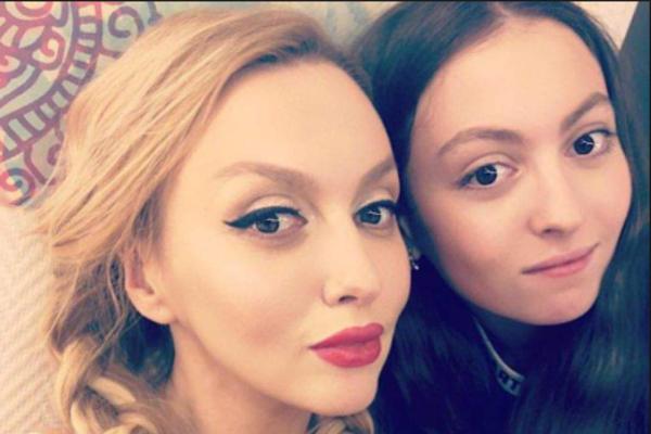 «Уже может кормить семью»: Оля Полякова рассказала о заработках дочери. Постоянная «такса»