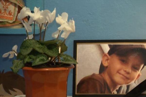 «Внезапно посинел и…»: Трагическая смерть 9-летнего мальчика потрясла всю страну. Родители потеряли маленького ангелочка