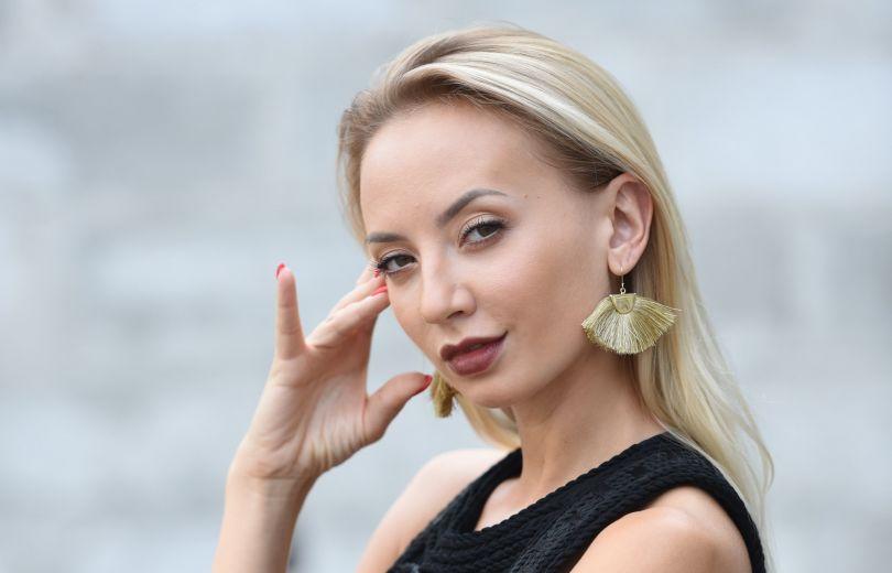 «Подтянутый животик и ножки»: Актриса 95 квартала Ирина Сопонару ошеломила всех откровенным фото