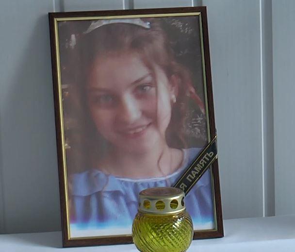 «Подошла, обняла меня и пошла в класс»: Подробности смерти 14-летней школьницы во время уроков. «Были проблемы с сердцем»