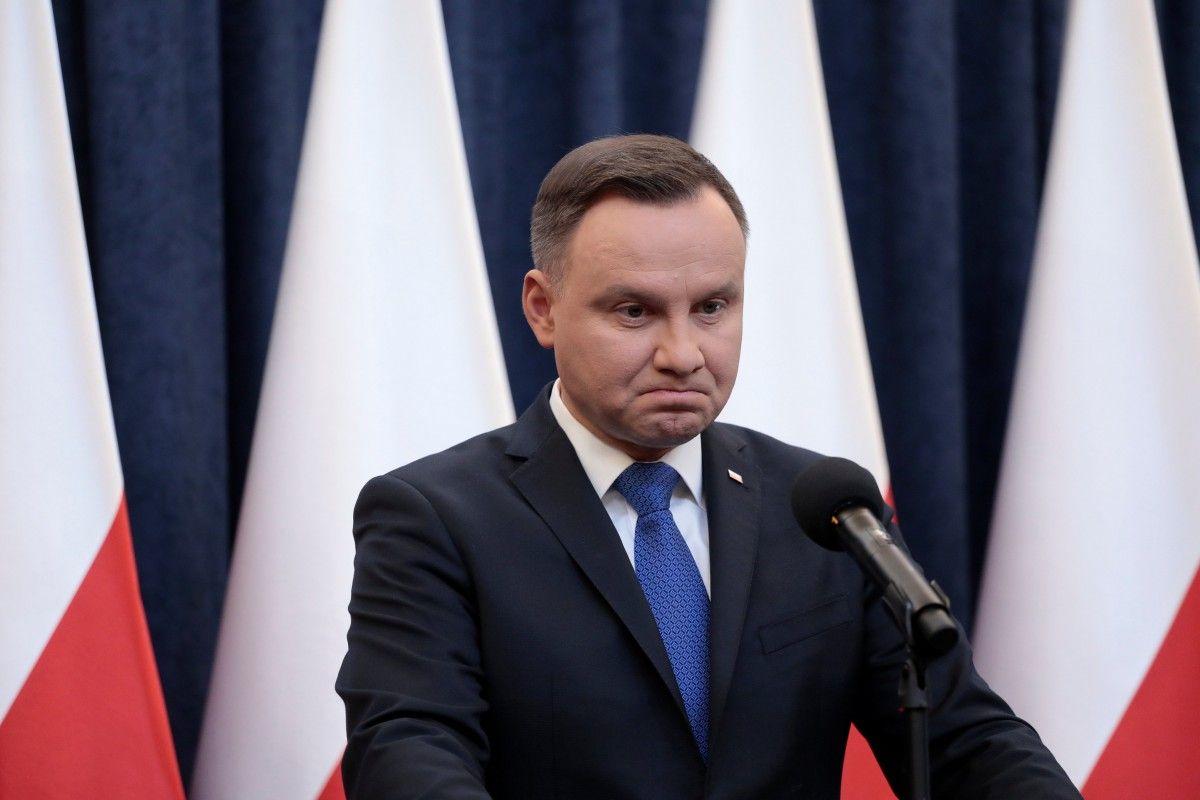 «А все из-за Путина!»: Президент Польши поразил своим поступком. «Сами себя загнали»