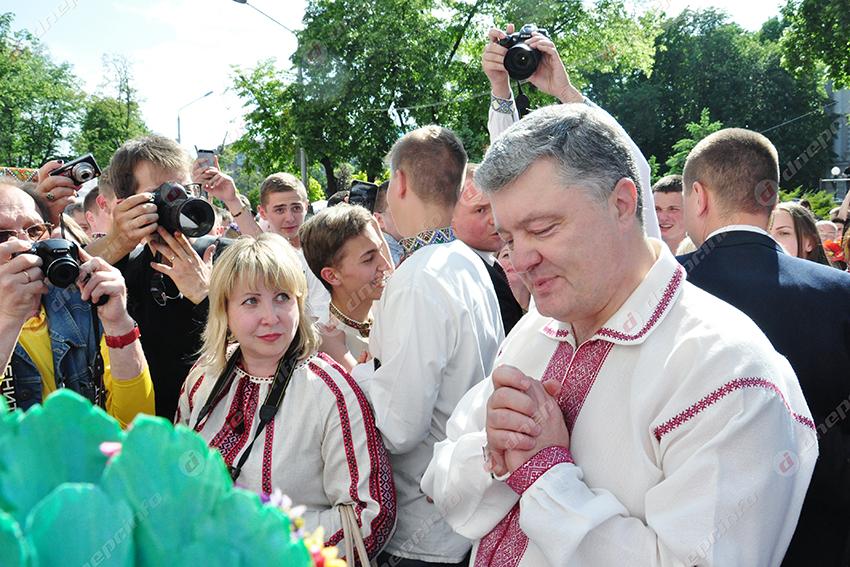 «Вилами ему в з @д!» Порошенко шокировал украинцев цинизмом. Скандальная информация появилась в Сети