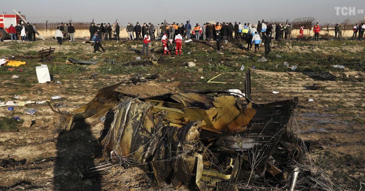 «Двое зарегистрированных пассажиров спаслись»: Секретарь СНБО на брифинге сообщил важную новость