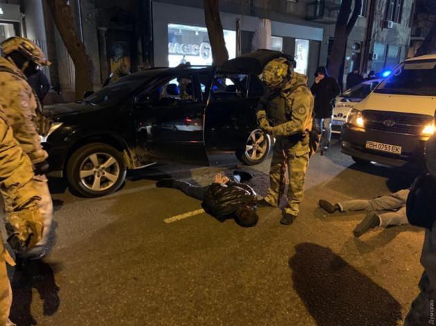 Уголовные гастроли. В Одессе задержали банду вооруженных грабителей. Отвечать будут за все