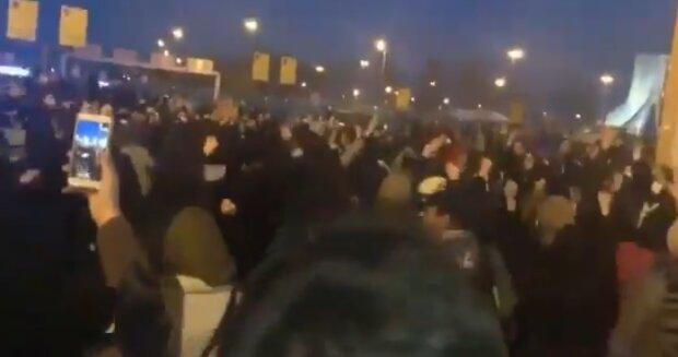Людей не остановить! Массовые протесты в Иране из-за сбитого Боинга разгорелись с новой силой. Не будут терпеть ни минуты!