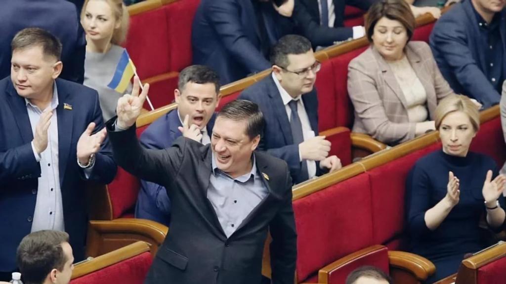 «Это все фейк». Громкое заявление скандального депутата Иванисов. Сойдет с рук?