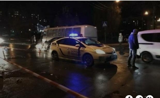 Лицом в асфальт. В Киеве копы совершили самосуд над нарушителем. Они звери