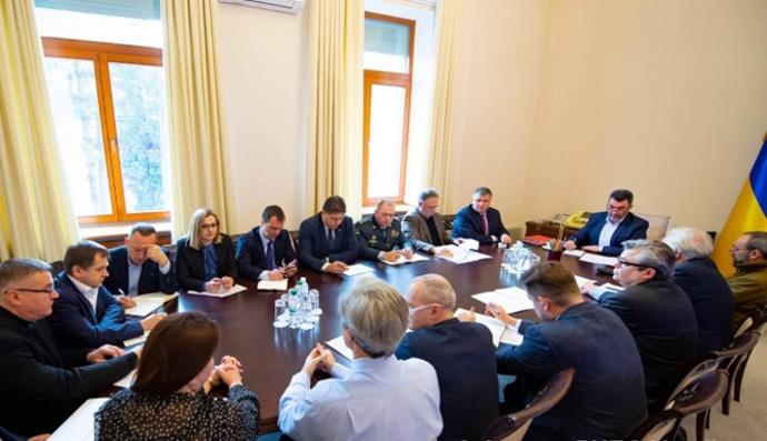 Срочное совещание в СНБО Чиновники решили, что делать с угрозой коронавируса. «Не допустим»
