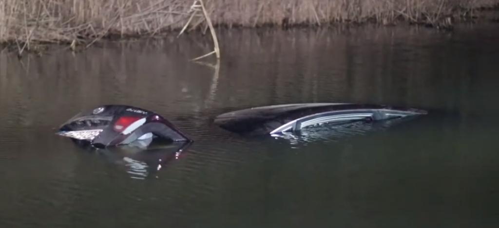 Автомобиль ушел на дно: страшная трагедия произошла под Киевом. В салоне был ребенок!