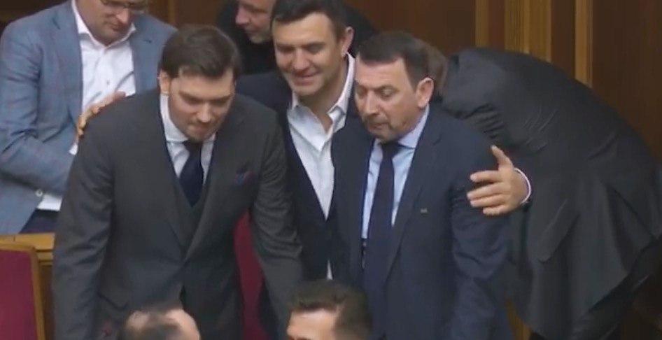 Зеленский не уволит Гончарука! Премьера поймали на манипуляциях. «Показуха и пиар?»