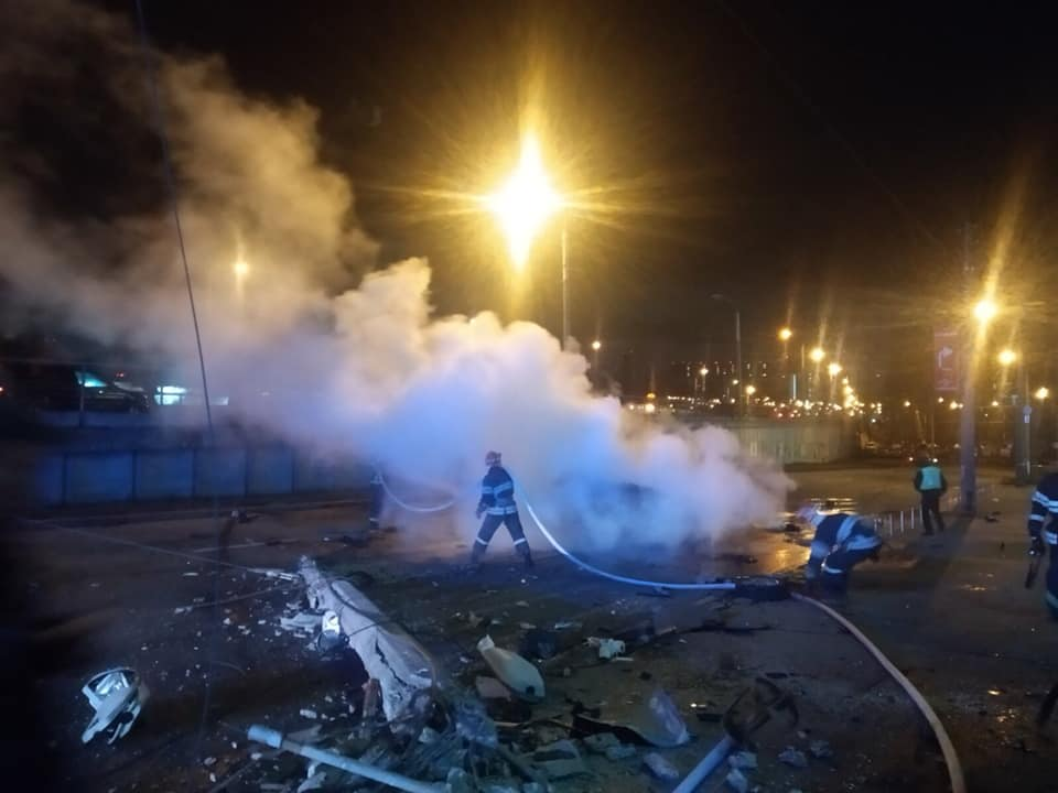 Машина вспыхнула, как факел: в центре Киева произошло жуткое ДТП