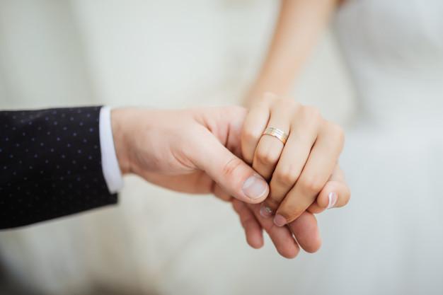 Она сказала «да»: самый известный «Холостяк» Украины сделал предложение своей любимой