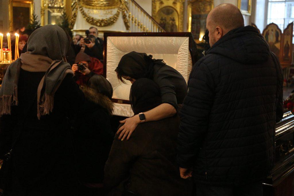 Жена и дети валились с ног от горя… Страна простились с онкологом Андреем Павленко. Рыдали абсолютно все