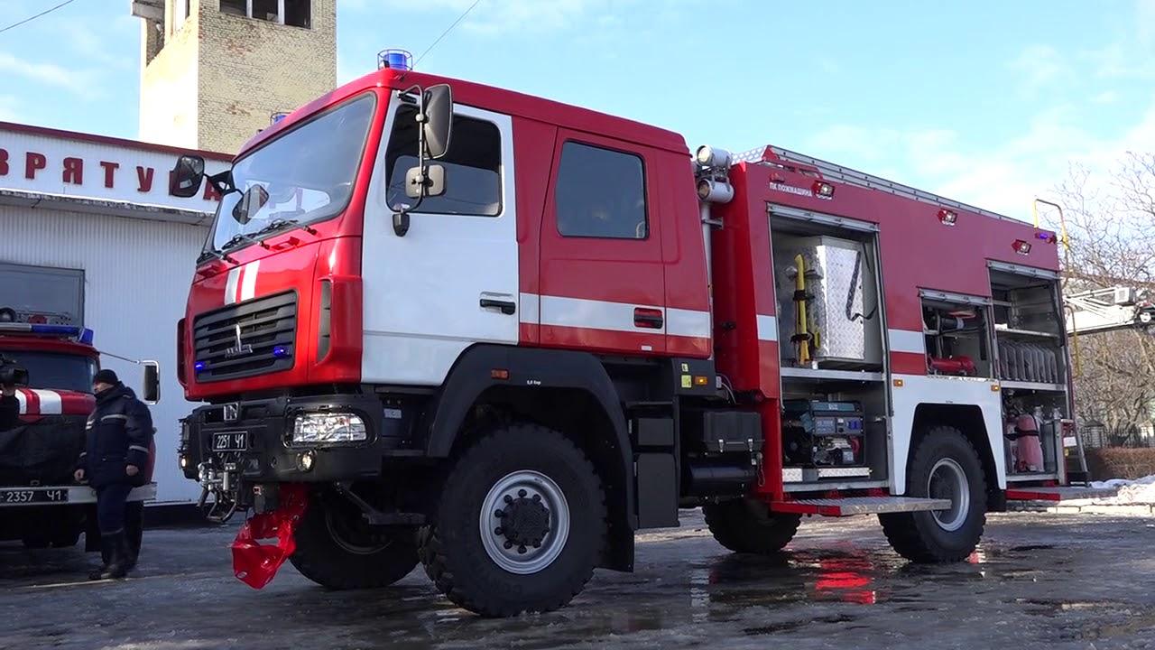 Пожар в центре Киева: дом вспыхнул, как спичка. Прибыли спасатели