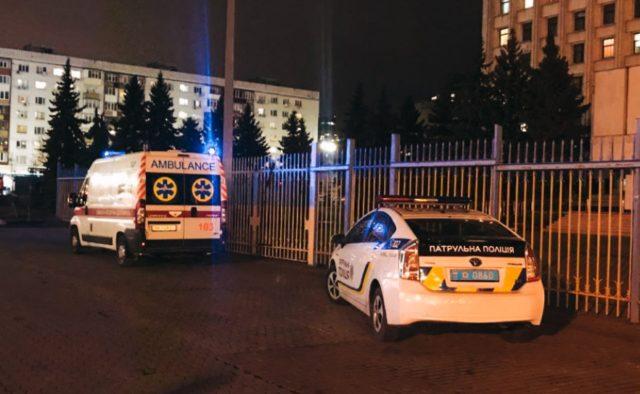 «Центр Киева напугал выстрел»: В здании ЦИК нашли мертвым молодого человека
