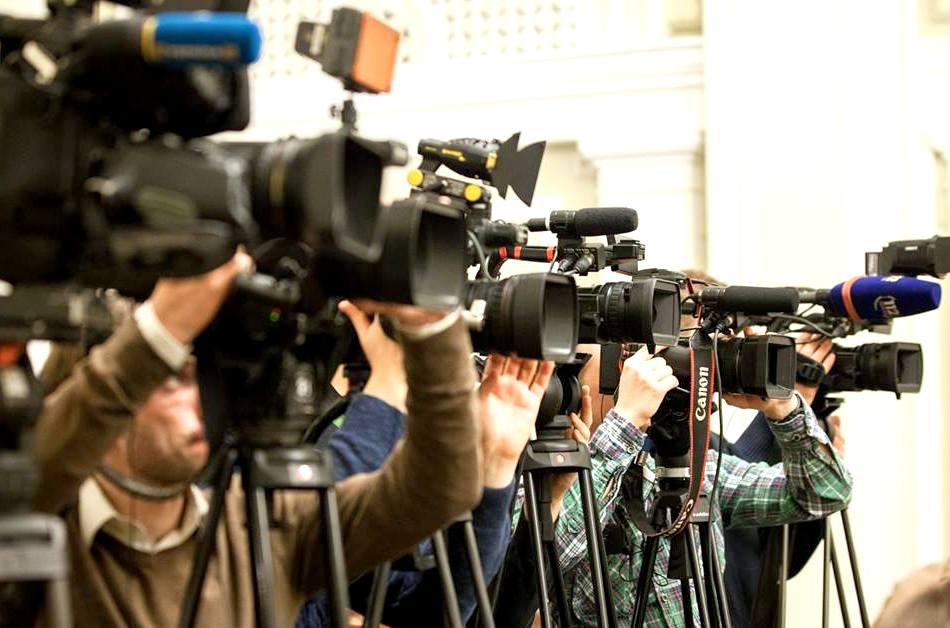 Свободе слова конец! Скандальный закон принят … Журналистам спрятаться