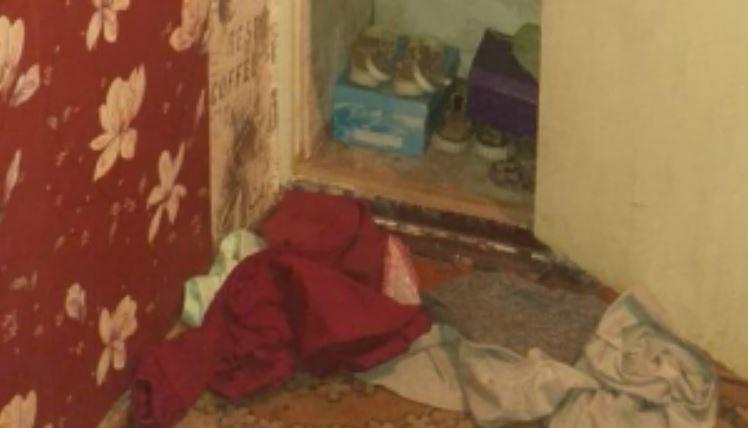«Засунула пакет и спрятала в шкафу»: 17-летняя студентка жестоко поиздевалась над новорожденным малышом