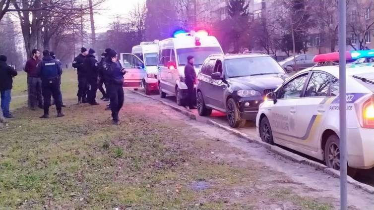 «Выстрелили и затолкали в багажник.» Дерзкое похищение шокировало очевидцев. Средь бела дня