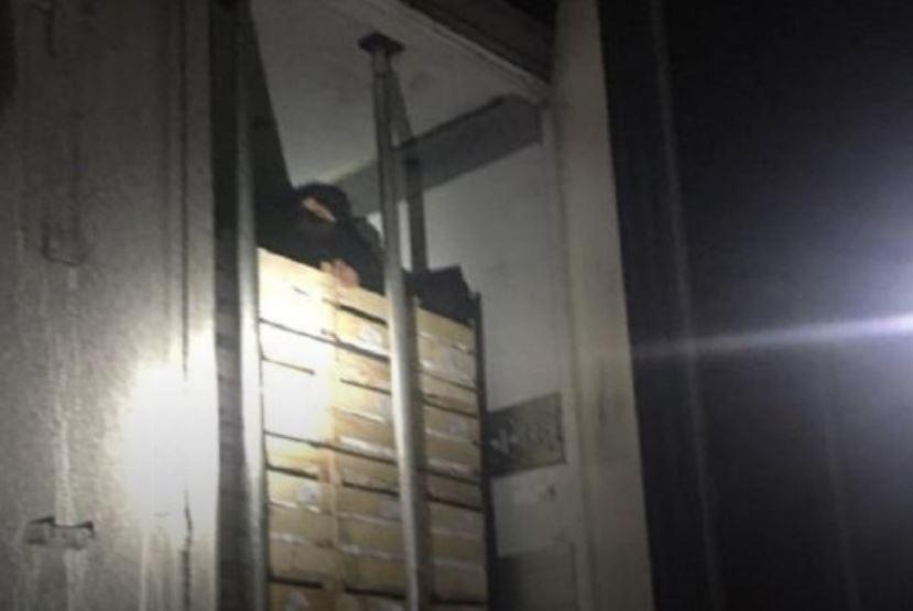 «Водитель услышал странные звуки из рефрижератора» Под Львовом задержали грузовик с несовершеннолетними нелегалами