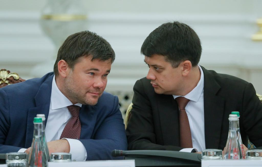 «Выносит вещи из своего кабинета»: Разумков прокомментировал возможную отставку Богдана. «Я никогда не мог подумать»