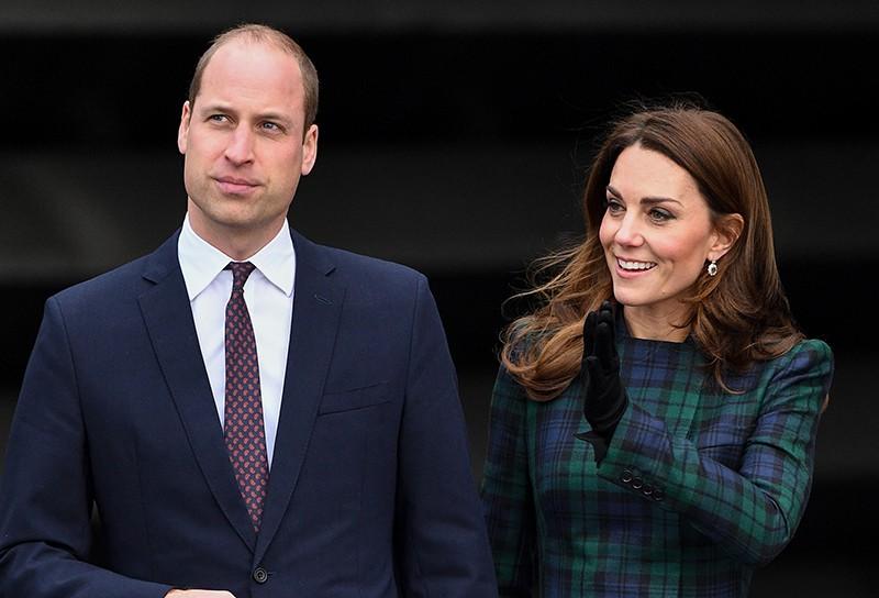 Вместо леди Ди: Мама Кейт Миддлтон стала опорой для принца Уильяма. «Железная женщина»