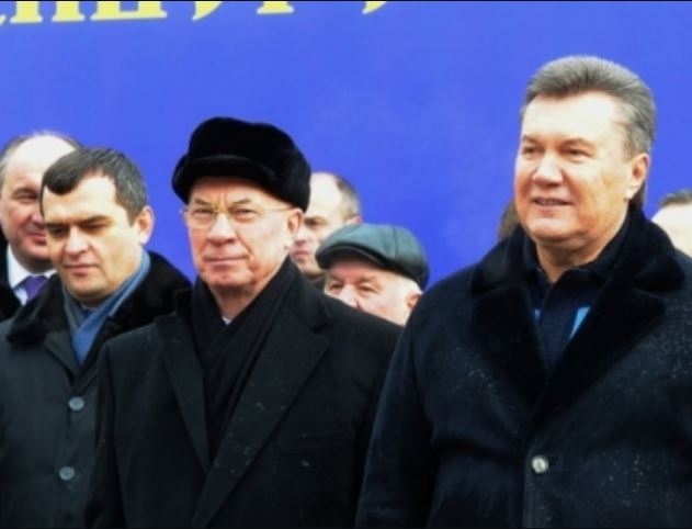 «На Рублевке»: В Сети показали элитные поместья преданных соратников Януковича. «За украденные в украинцев деньги?»