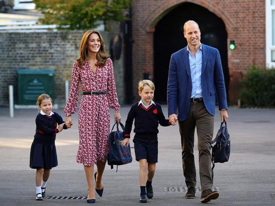 Дети Миддлтон в опасности! В школе принца Джорджа и принцессы Шарлотты подозрение на коронавирус