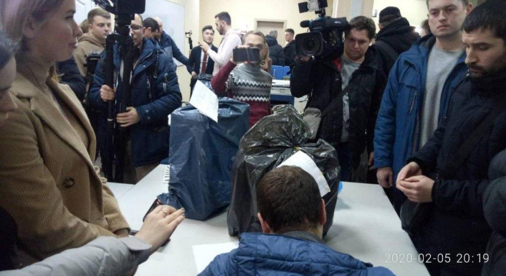 «Пиар-ход!» В «Слуге народа» отреагировали на скандальные обыски в здании телеканала «1 + 1». Завтра будет знать президент