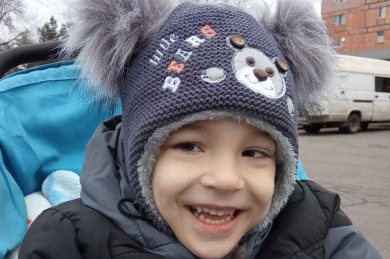 Дениска может иметь счастливое и полноценное детство и будущее. Помогите ему!