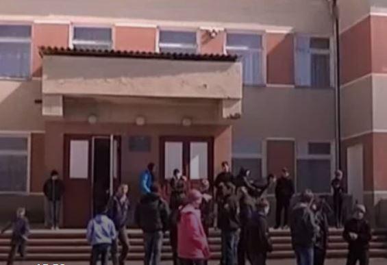 Беременная в 13: На Львовщине школьница забеременела от односельчанина. Соседи и одноклассники в шоке!