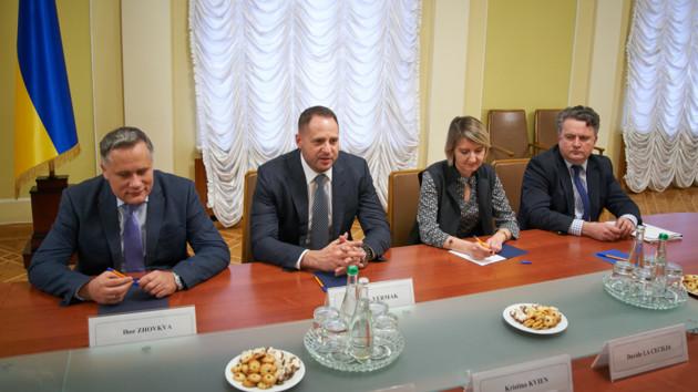 Отчитался! Новый руководитель ОП Ермак встретился с послами G7. «Первый бой» успешный?